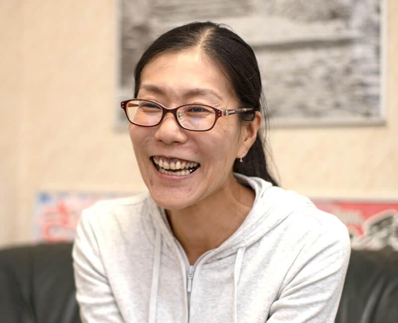久保智子さんインタビュー中の様子
